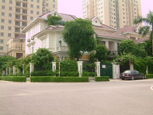 Vườn cây xanh biệt thự Ciputra